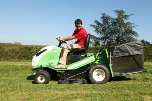 Gartenpflege, Grünanlagenpflege, Rasenmähen